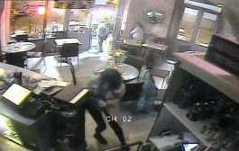 أول فيديو للهجوم الإرهابي على أحد مقاهي باريس