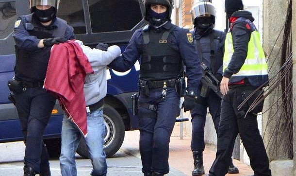 إعتقال مغاربة في إسبانيا متهمون بمحاولة الالتحاق بتنظيم داعش