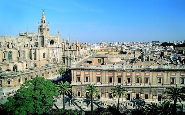 اتصالات المغرب تغري مشتركيها بوثائق الإقامة في إسبانيا