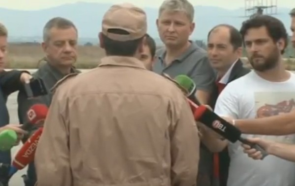 بالفيديو. ها شنو قال الطيار الروسي الناجي من الطائرة اللي تيحطها تركيا لوسائل الاعلام