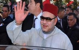 لحظة وصول الملك محمد السادس الى مدينة العيون (تسجيل كامل )