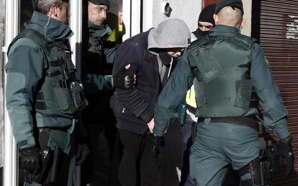 سمعة لمغاربة رجعت خايبة فأوروبا. إعتقال مغربي آخر فإسبانيا كان في طريقه للالتحاق بداعش ويرجع كقنبلة موقوتة لاحقا