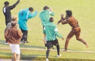 إطلاق نار إثر عراك في مباراة كرة قدم بالسعودية (فيديو)
