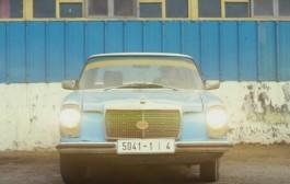 بالفيديو. شركة ميرسيدس تفتخر بسائق سيارة أجرة صويري وتحتفي به بسبب سيارته
