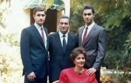 كي كنتي وكي وليتي. صورة لمبارك وأسرته قبل أن يصبح رئيسا لمصر