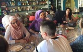 ناشطة مغربية تنشئ مطعم في أسترالية لسؤال المسلمات من قبل الاستراليين وتحسين صورة الاسلام المعتدل في نظرهم