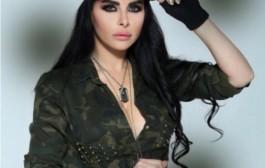 هاد الخيل فشي شكل. فنانة لبنانية تؤكد أن مؤخرتها كبيرة بسبب ركوبها الخيل (فيديو)