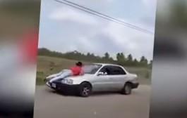 بالفيديو. ها العقاب لي دار راجل لمراتو لقاها كتخونو