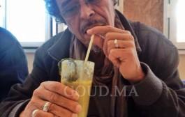 بالفيديو. الفنان عبد الحق الزروالي. لوكان ماشي المسرح كنت غانخرج حمق ولا حباس ولا فالقبر