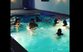 """""""يورو 2016"""".. عائلة رونالدو تقفز في حمام السباحة احتفالاً بالفوز"""