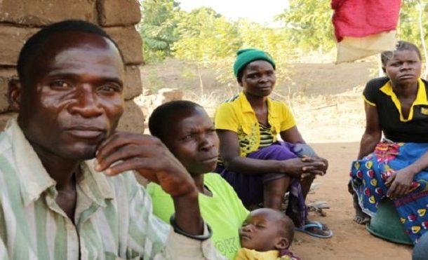 في مالاوي. الهايينا كيعطيوه لفلوس باش يمارس الجنس مع المراهقات والارامل وها علاش