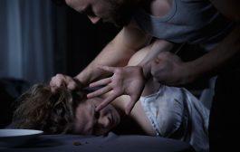 مغتصب ومعذب: سالى الاغتصاب كوا مؤخرة الضحية