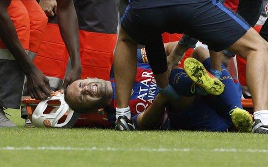 غابوني قتل صاحبو بسباب فوز برشلونة!