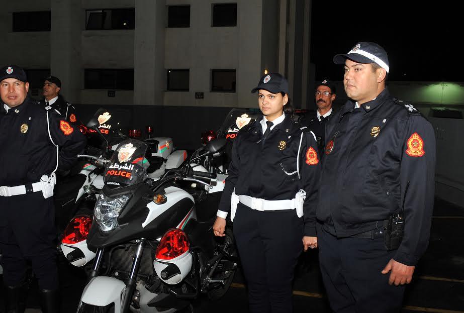البوم صور: البوليس صبح اليوم معيد وفرحان بكسوتو الجديدة