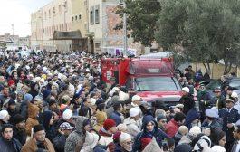 شعب الفقرا يشيع جنازة الشيخ حمزة إلى مثواه الاخيرة في جنازة مهيبة