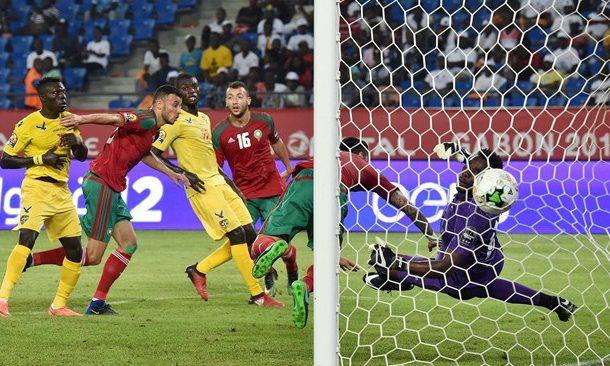 اش دارو الطوغوليين لحارس المرمى بسبب الهزيمة مع المنتخب المغربي
