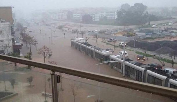 """مياه """"الأمطار الطوفانية"""" اللي غرقات سلا فاقت 80 ملم فمدة لم تتجاوز 4 ساعات"""