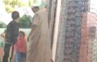 فيديو شعل السعودية. راجل شارف كيتحرش ببنت صغيورة فوسط الشارع