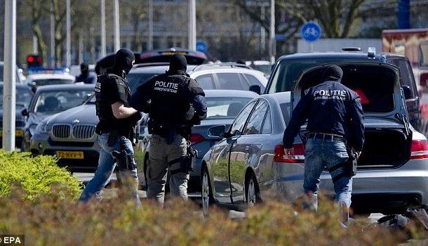 هولندا : اعتقال بوليسي من أصل مغربي بسبب تسريب معلومات سرية