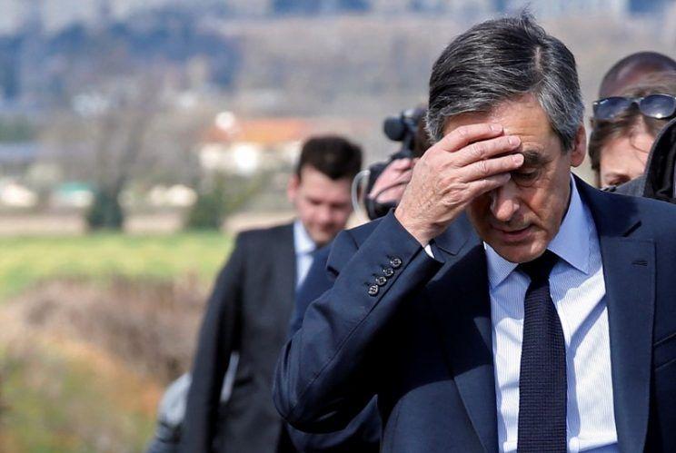 """صحافة التحقيق ديال الصّح. """"لوكانار أونشيني"""" جبدت ضوسي جديد للمرشح الرئاسي فيون"""
