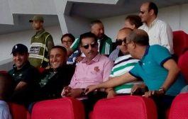 مدير FBI  المغرب يتابع مباراة الديربي البيضاوي والتيران زاهي =صورة=