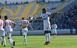 الناصيري صدق راس مالو غير هضرة. جيبور يقود هجوم النصر في البطولة العربية