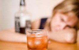 زيد جوج يا مول الروج. دراسة كتقول شرب كأس ديال الروج يوميا يقدر يصيبكم بسرطان الثدي