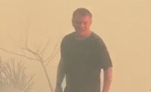 ملك الأردن يشارك بإطفاء حريق (فيديو)