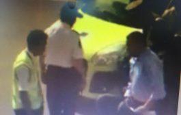 """""""عنف الأمن"""" جاب شوهة عالمية جديدة للمغرب. فيديو لعملية اعتقال عنيفة فمطار المنارة بمراكش داير ضجة في """"الفيس"""""""
