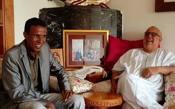بنكيران قشابتو واسعة. استضاف مقلد شخصيته في برنامج تونسي ساخر في منزله (صورة)