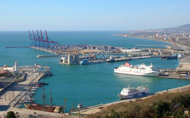 فضيحة فالميناء ديال طنجة المتوسط.. حرّاك يخترق حواجز خارجية وقرّبْ يدخل لواحد الباخرة وها كيفاش حصل