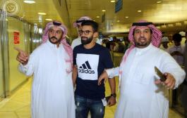 استقبال النجوم لفوزير فالسعودية (فيديو)