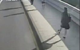 بوليس لندن نشر فيديو ديال حقير دفع مرا فاتجاه الطوبيس