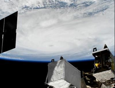 الناسا نشرات فيديو فضائي على اعصار هارفي لي مرون الميريكان