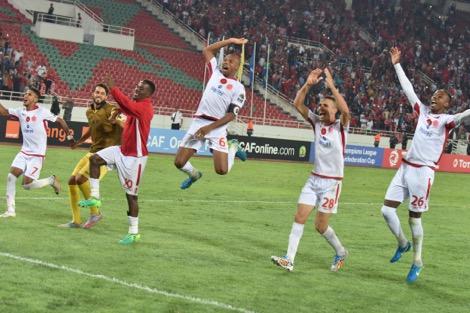 رونار يعيد للاعبي الدوري المغربي للمحترفين الأمل في المنتخب. وحاريث يلعب لأول مرة بقميص الأسود ضد الغابون