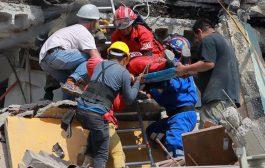 بالفيدي. انهيار مذيعة ملي كتاشفات على الهواء ان مرات زميلها ماتت في زلزال المكسيك