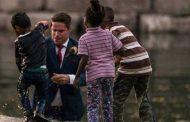 بالصور. عريس بطل سمح فجلسة تصوير العرس ونقز ينقذ طفل من الموت