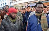 مهاجرون أفارقة هجمو على سائقين بالسيوفا فكازا