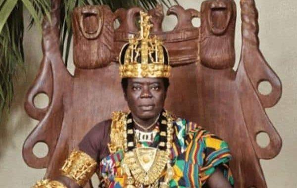 بالفيديو والصور. سيفاس بالنهار ميكانيكي في المانيا وبالليل ملك على قبائل افريقية يحكمها عبر السكايب!!